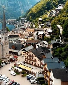 This Lake Town in Hallstatt, Austria is absolutely gorgeous! Beautiful Places To Travel, Wonderful Places, Best Vacations, Vacation Trips, Zell Am See, Austria Travel, Bryce Canyon, Great Smoky Mountains, The Good Place