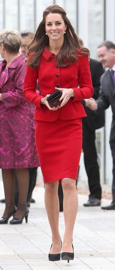 קייט מידלטון לובשת לואיזה ספנולי בביקור בגנים הבוטניים, כריסטנצ'רץ', ניו זילנד, 14 אפריל 2014