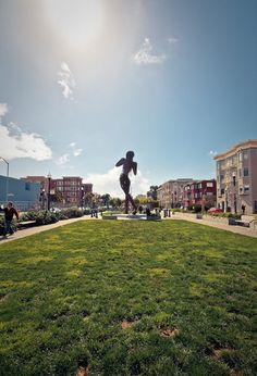 Hayes Valley, San Francisco - one of the many great shopping districts you'll find in Elephanti -- www.elephanti.com