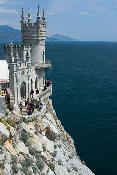 Another view of Swallow's Nest in Crimea, Ukraine (by spliter).*-*.