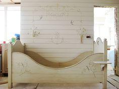 Украшение стен трафаретной росписью или стикерами. Обсуждение на LiveInternet - Российский Сервис Онлайн-Дневников