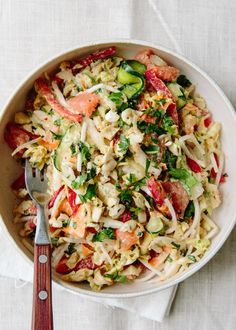 Recipe: Anna Jones' Raw Thai Citrus Crunch Salad Recipes from The Kitchn Vegetarian Dinners, Vegetarian Cooking, Vegetarian Recipes, Vegetarian Sandwiches, Going Vegetarian, Vegetarian Breakfast, Healthy Cooking, Healthy Eating, Spicy California Roll