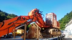 Gebrauchte Bergbaumaschine Tunnelbagger Terex TE 210 zu verkaufen #excavator #bagger #Foto #images #Terex #ITC #Tunnel #Excavator #bergbau #maschinen Earth Moving Equipment, Tonka Toys, Heavy Equipment, Utility Pole, Monster, Classic, Profile, Baggers, Derby