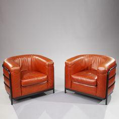 Zanotta Italy : Two Onda Armchairs in Leather