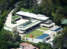 Z Beyoncé And Jay Z Amazing Luxury Villa project La Zagaleta Spain in Benahavís Spain for sale on JamesEdition Want more information on how to get one of y. Style Beyonce, Beyonce And Jay Z, Celebrity Mansions, Celebrity Houses, Celebrity Guys, Celebrity Outfits, Bel Air, Malibu Mansion, Villas