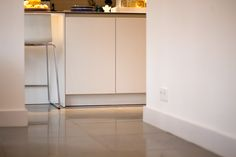 Harappa Stone Grey Anticato #living #livingroom #woonkamer #natuursteen #naturalstone #vloer #floor #flooring #tiles #tegels #fossiel #fossil #interieur #interior #interieurdesign #interiordesign