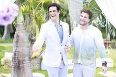 Inspire-se nos looks de um casamento ao ar livre →  #redeglobo #gshow #moda #fashionrio #novelas #casamento #MateusSolano  #ThiagoFragoso