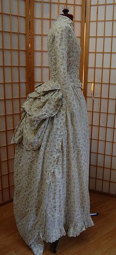 Inspiration For An Calico Bustle Dress and Bonnet - Decor to Adore Victorian Era Fashion, 1870s Fashion, Victorian Costume, Vintage Fashion, Antique Clothing, Historical Clothing, Historical Dress, Modest Clothing, Day Dresses