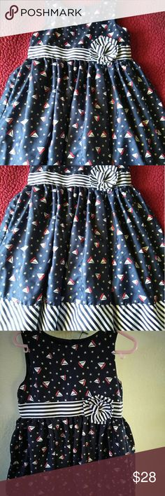 Old Navy dress girl Only once used.. perfect condition Old Navy Dresses Formal