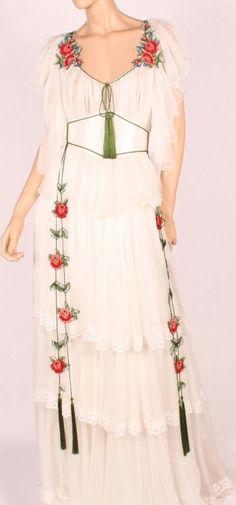 suits, and stylized shirts, Folk Fashion, Ethnic Fashion, Beautiful Blouses, Beautiful Outfits, Romanian Wedding, Folk Clothing, Embroidered Clothes, Embroidered Silk, Edwardian Dress