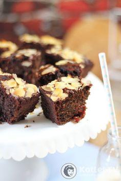 Przepyszny, miękki, mocno czekoladowy jaglany murzynek
