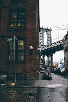 Water Street and Brooklyn Bridge, New York Ponte Do Brooklyn, Brooklyn Bridge, Manhattan Bridge, Brooklyn Nyc, New York City, Ville New York, City Aesthetic, Concrete Jungle, City Photography