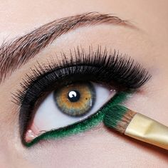 Green shadow under the lash line                                                                                                                                                                                 More