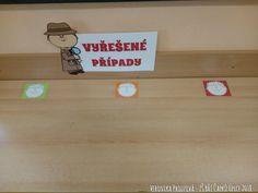 Detektivní kancelář 1.B - ZŠ Bří Čapků Úpice - lavice na odevzdávání práce žáků - forma sebehodnocení (odevzdají ke smajlíku, podle toho, jak si myslí, že jim jejich práce dařila). Bamboo Cutting Board, Teaching Ideas