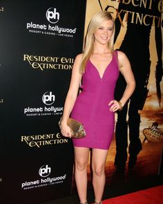 Amy Smart, Planet Hollywood, Profile, Formal Dresses, Videos, Photos, Beauty, Instagram, Fashion