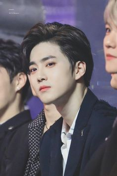 "Suho : ""What?"" Fans : ""You're so handsome"" Suho : ""I Know"" Kpop Exo, Park Chanyeol, Chanyeol Baekhyun, Sulli, Jonghyun, K Pop, Kim Joon Myeon, Kim Minseok, Xiuchen"