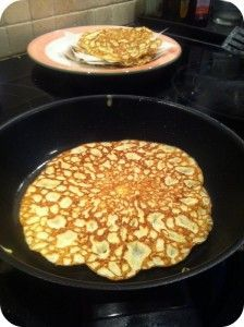 LCHF - glutenfrie - pandekager Apple Recipes, Low Carb Recipes, Healthy Recipes, Breakfast Time, Breakfast Recipes, Smothie, Sweets Cake, Pancakes And Waffles, No Bake Treats