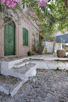 vakantie Lesbos, vakantie Griekenland Beautiful Islands, Beautiful Places, Thasos, Greek Beauty, Greece Islands, Travel Memories, Life Is An Adventure, Mediterranean Style, Vacation Places