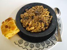 mom knows best : Vegetarian Slow Cooker Mushroom Barley White Bean Stew