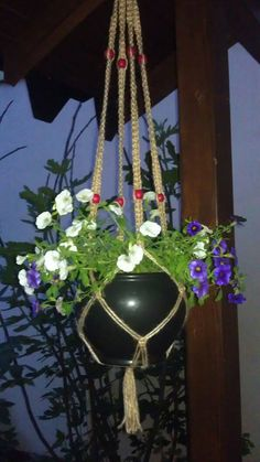 Pots support micromacrame