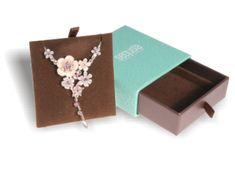 Necklace Box Size: (W) x (H) x (D) Print: 2 Colour Off-Set + Embossing Reference Number: Jewelry Packaging, Gift Packaging, Packaging Design, Necklace Box, Off Colour, 2 Colours, The Creator, Hair Accessories, Number
