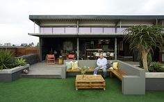 An unconventional penthouse in Durban makes small spaces cool. For more, visit houseandleisure.co.za Compact Living, Backyard, Patio, Outdoor Furniture Sets, Outdoor Decor, Small Spaces, Building, Interior, House