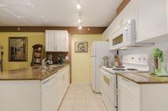 Sleeping Nook, Entry Closet, Open Concept Kitchen, Summer Bbq, Kitchen Living, Locker Storage, Kitchen Cabinets, Dining, Space