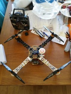 My custom maked dji f450 with Naza M gps and graupner props from Germany...