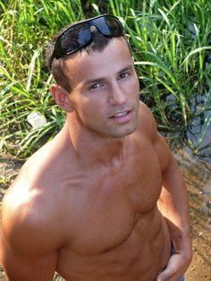Сергей Громов, 27 лет, Брест. Анкета: http://fotostrana.ru/user/69468091/