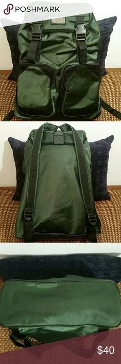 ❗💲REDUCED💲❗Nine West Vintage Backpack Bag has a beautiful hunter green sheen color & the trim is suede. Interior material has a satin-like feel. There are all kinds of cool pockets. The exterior has some bubbling & very slight snags-see pics. Small front right pocket zipper is broken with a few teeth missing-see pic. Piping in great shape. Interior looks great for its age but does have some snags in material & loose threads, all minor but want to note. Silver hardware, minor scratches…