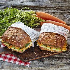 Herkullinen kasvisjuuresleipä syntyy yhdistämällä kauden kasviksia Fazer Juuresleipään. Tämä leipä on täynnä hyviä vihanneksia, joita mehevöittävät herkulliset tahnat; tapenade ja hummus. Välimerellinen leipä on omiaan mukaan piknikille tai nautittavaksi herkullisena välipalana.