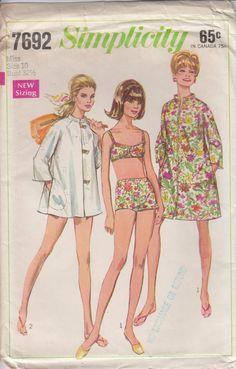 Vintage Sewing Pattern 60s Coat Dress Or Beach by HoneymoonBus, $7.99
