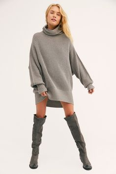 Sure to be a seasonal staple, this oversized chunky turtleneck sweater features contrasting knit techniques throughout the body to create pieced dimension in a slouchy silhouette. * Dramatic sleeves* Pull-on style* Ribbed hem Sweater Fashion, Sweater Outfits, Cute Sweater Dresses, Mode Simple, White Turtleneck, Dresses To Wear To A Wedding, Casual Summer Dresses, Trendy Fashion, Trendy Outfits