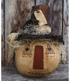 My Primitive 'Scarin' Crows' Scarecrow Epattern Primitive Scarecrows, Primitive Autumn, Primitive Pumpkin, Primitive Crafts, Halloween Arts And Crafts, Halloween Decorations, Fall Decorations, Primitive Decorations, Halloween Ornaments