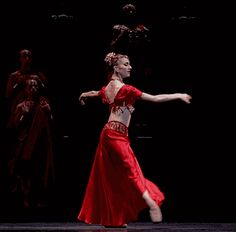 Marianela Nunez as Gamzatti in La Bayadère. Let's try to turn in arabesque @Avery Holloway