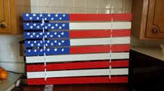 Flag made with blind slats Wood Blinds, Blinds Diy, Blinds Ideas, Car Upholstery, Upholstery Cleaner, Wood Crafts, Fun Crafts, Vinyl Mini Blinds, Blinds For Windows