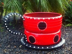 another teacup style...hope you like it...visit our page at  https://www.facebook.com/reciclamosyembellecemos