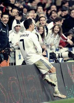 Madrid Football Club, Football Love, Best Football Team, World Best Football Player, Good Soccer Players, Football Players, Cristiano Ronaldo Portugal, Cristiano Ronaldo Cr7, Cr7 Vs Messi