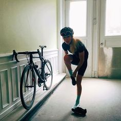 Eva Synnestvedt Hansen | Everyday flamingo pose #cyclingmemories @ebbehastng
