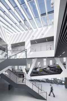 Hörsaalgebäude Osnabrück by Benthem Crouwel Architects (Design Team: Markus Sporer, Cornelius Wens, Sander Vijgen, Anna Gerlach, Joris Görling, Daniel Vlasveld, Carel Weber) / Barbarastraße, Osnabrück, Germany