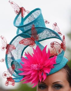 Ladies day at the Royal Ascot Sombreros Fascinator, Fascinator Hats, Fascinators, Funky Hats, Crazy Hats, Turbans, Royal Ascot Hats, Kentucky Derby Hats, Love Hat