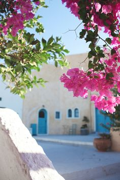 Santorini Hostel Caveland  4 bed Sea-view Apartment: 15 Euro/ 1 person (4 people occupancy)