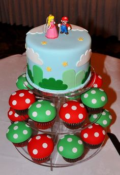 YES! I want a combo of cake topper paired with cupcakes and this is PERFECT since we dressed up as Mario + Luigi for our first Halloween together! <3