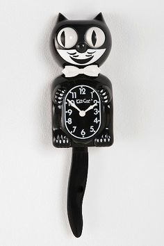 Kit-Cat Klock!  They had one of these at my pediatrician's office when I was a little girl...loved it then too!