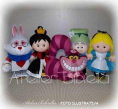 Alice No País Das Maravilhas - Kit 5 Personagens Feltro 25cm - R$ 306,60