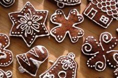 Vánoční perníčky Cosy Christmas, Christmas Sweets, Christmas Candy, Christmas Baking, Christmas Cookies, Christmas Decorations, Winter Activities For Kids, Biscotti, Cookie Decorating