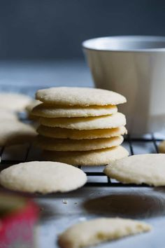 Paleo Whipped Gluten Free Shortbread Cookies -These easy shortbread cookies actually melt in your mouth and are only 60 calories! They're secretly sugar free, healthy and vegan/keto friendly too!   Foodfaithfitness.com   @FoodFaithFit