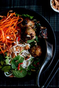 Vietnamese sticky pork meatball & coconut noodle bowls - lemongrass, lime & coriander meatballs served with herbs, pickled carrots, & coconut dressing. Asian Recipes, Healthy Recipes, Ethnic Recipes, Primal Recipes, Savoury Recipes, Asian Foods, Meat Recipes, Yummy Recipes, Broccoli