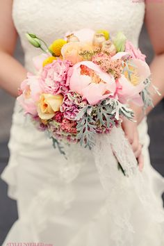 I love these spring shades of pink, yellow and green in the bouquet.