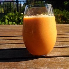 Bronzed Glow Smoothie Want to have stunning, glowing skin? Drink this high in beta-carotene smoothie